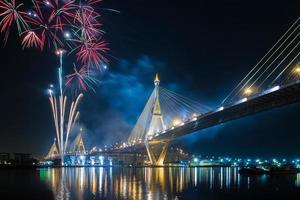 feu d'artifice vive le roi bkk thailande photo