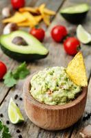 guacamole aux croustilles de maïs