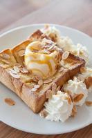 pain à la crème glacée sucré, délicieux photo