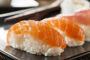 sushi nigiri japonais sain photo