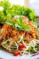 salade épicée de vermicelles de riz photo