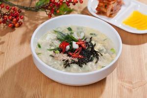 mandutguk, soupe de boulette photo