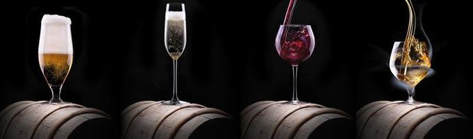 ensemble de boissons alcoolisées isolé sur un fond noir photo