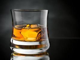 whisky sur les rochers