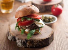 hamburger fait maison photo