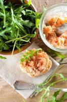 sandwichs au pâté de saumon photo