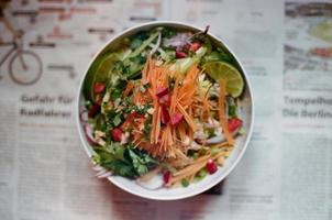 nouilles froides de style vietnamien frais photo