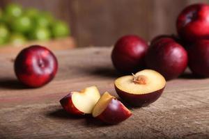 belle prune en tranches