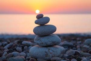 concept zen avec des roches équilibrées photo