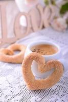 biscuits en forme de coeur pour la Saint-Valentin photo