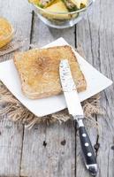 petit déjeuner (sandwich à la confiture d'ananas)