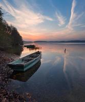 paysage magnifique lever du soleil du lac photo