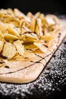 collation aux chips de banane / chips de banane photo