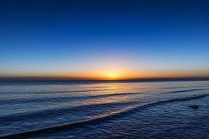 lac qinghai, lever du soleil photo