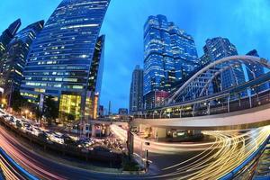 la station de skytrain chong nonsi, bangkok, thaïlande photo