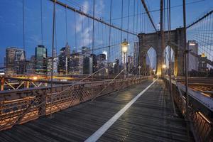 Pont de Brooklyn au lever du soleil photo