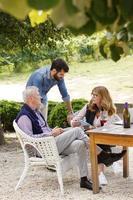 portrait de famille vigneron photo