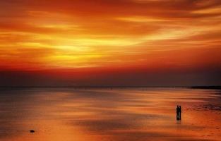 amoureux du coucher du soleil photo