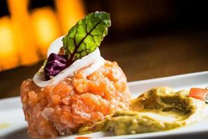 tartare de saumon photo