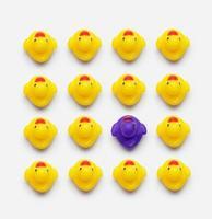 collection de canards en caoutchouc jaune photo