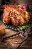 poulet cuit au four. photo