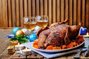 canard au four aux pommes, citrouille et canneberges photo