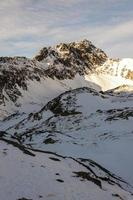 "pic dans le paysage d'hiver (""swistowy szczyt (svistovy stít)"")) photo"