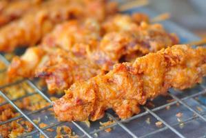 poulet frit dans une lumière douce