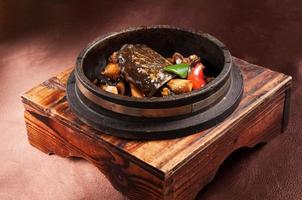tortue en pot de pierre