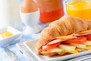 petit déjeuner continental photo