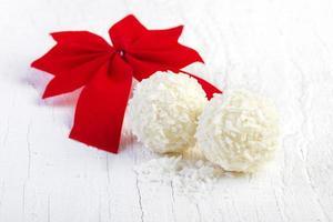 truffes boule de neige à la noix de coco photo