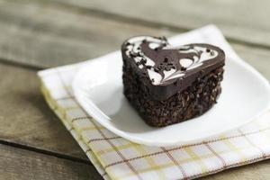 gâteau au chocolat dans un coeur, valentine, dessert