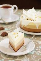 "gâteau au chocolat ""trois chocolat"". photo"