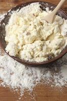 cuisson: pétrir la pâte