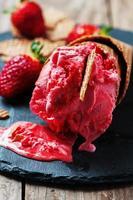 glace à la fraise photo
