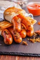 hot-dog grillé