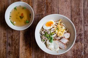 nouilles aux oeufs thaï