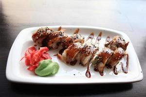 la nourriture japonaise est des sushis