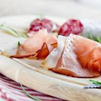 salami et prosciutto photo