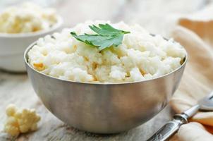 riz crémeux à l'ail et au chou-fleur photo