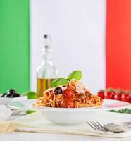 pâtes italiennes à la tomate