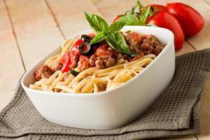 pâtes avec sauce à la saucisse italienne