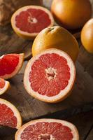 Pamplemousse rubis rouge biologique sain
