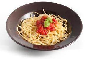 spaghetti à la tomate fraîche et au basilic