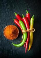 piment rouge et piment vert photo