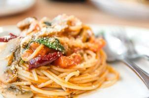 spaghetti à la sauce tomate et épicé photo