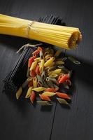 diverses pâtes italiennes photo