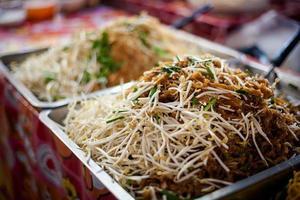 thai noodles pad thai