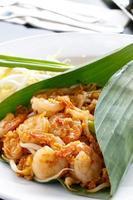 pad thai aux crevettes, cuisine thaïlandaise