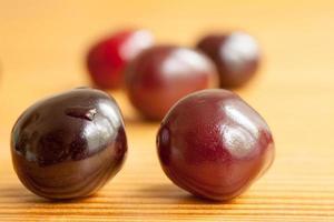 cerise berry sur la planche photo